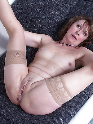 real pictures of mature wifes naked